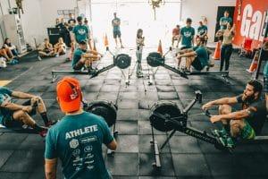 Groupe pratiquant le CrossFit